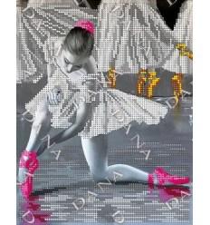 Балерина DANA-228